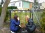 2016 03 21 IIB sadzi drzewka i krzaczki
